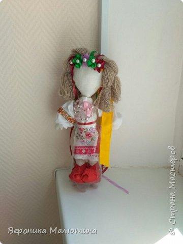 Я очень люблю шить, мастерить, заниматься творчеством. Моё увлечение - мастерить кукол. Очень люблю мою страну - Россию.  Мне интересен мир народного костюма, ведь каждый из них отражает особенности своего народа, его характер. фото 11