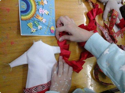 Сестренка и братишка - чувашские ребятишки! На создание таких текстильных куколок вдохновляет наша Чувашская Республика и её яркая национальная чувашская вышивка! фото 13