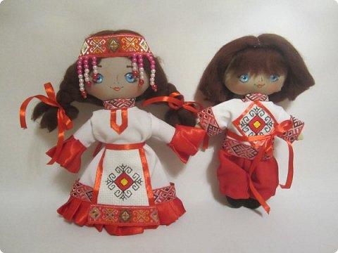 Сестренка и братишка - чувашские ребятишки! На создание таких текстильных куколок вдохновляет наша Чувашская Республика и её яркая национальная чувашская вышивка! фото 1