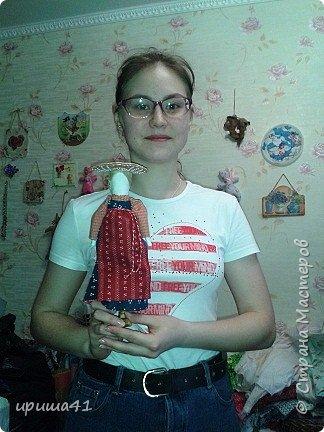 Я живу в Пермском крае, в котором проживает более 130 различных национальностей. Одним из интереснейших народов финно-угорской группы являются коми-пермяки. К конкурсу мне хочется представить вашему вниманию куклу в коми-пермяцком наряде.  фото 8