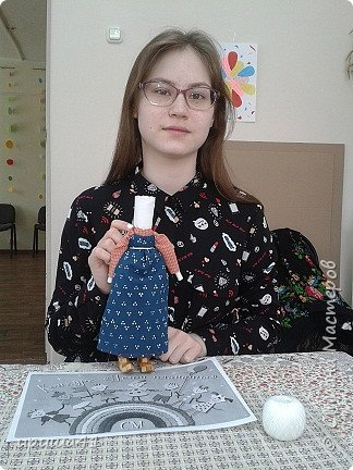 Я живу в Пермском крае, в котором проживает более 130 различных национальностей. Одним из интереснейших народов финно-угорской группы являются коми-пермяки. К конкурсу мне хочется представить вашему вниманию куклу в коми-пермяцком наряде.  фото 6