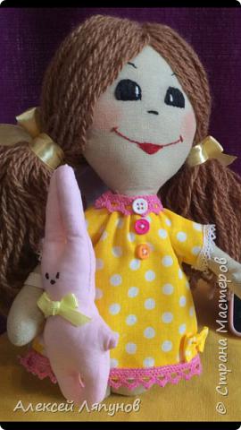 Маленькая Варя с своей мягкой игрушкой Крош фото 8