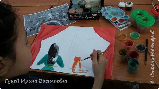 """Представляю еще одну творческую девочку Абай Меруе с рисунком """"Мир за окном"""". Какой интересный вечер и как сосредоточенно и увлеченно смотрят в окно две подружки. фото 3"""