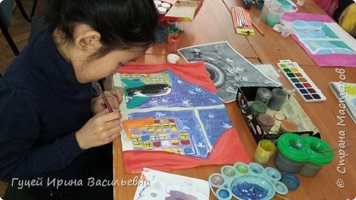 """Представляю еще одну творческую девочку Абай Меруе с рисунком """"Мир за окном"""". Какой интересный вечер и как сосредоточенно и увлеченно смотрят в окно две подружки. фото 4"""