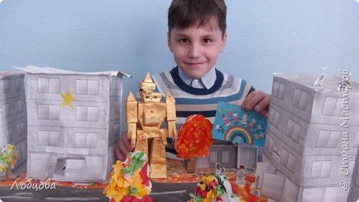 Добрый день мастера. Я представляю на конкурс робота-строителя, который будет строить дома будущего. фото 7
