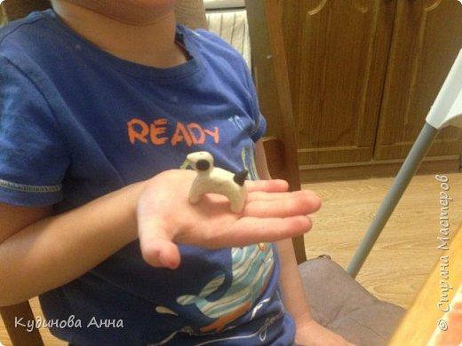 Вот таких дымковских собачек мы слепили с сыночком Давидом. Я как мама слепила маму собачку, а Давид самостоятельно щеночка! :)  фото 5