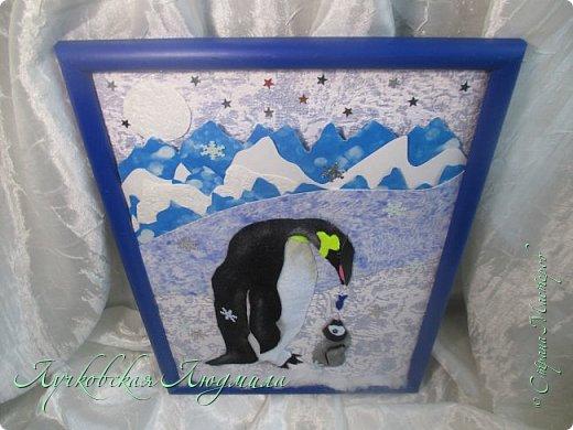 """Спасибо за конкурс и возможность себя проявить. Представляю свою картину """"Пингвины на севере"""". уж очень они мне нравятся, а тут такая возможность! Когда фотографировала готовую работу подумала, что ее можно будет отнести в сад....к Новому году, обязательно загадают сделать поделку. В процессе выкладывания фотографий решила сделать маленький МК. может кому пригодится. фото 8"""