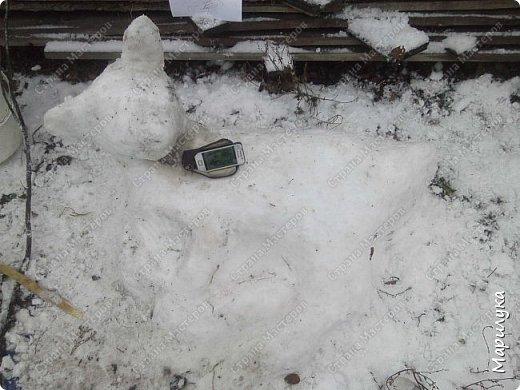 добрый день, вот и мы дождались снега, и конечно же захотелось что-нибудь из него сделать, а тут как раз узнала про конкурс ну и решила, а почему бы не попробовать. фото 3