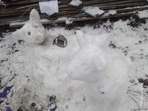 добрый день, вот и мы дождались снега, и конечно же захотелось что-нибудь из него сделать, а тут как раз узнала про конкурс ну и решила, а почему бы не попробовать. фото 6