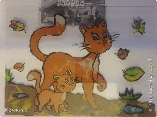 Я очень люблю кошек. Они такие славные и милые. У меня дома живут 3 кошки, я забочусь о них. Когда летом у кошек появляются котятки, я очень люблю наблюдать за ними. Кошка очень заботливая мама, она вылизывает котят язычком и даже разрешает поиграть со своим хвостиком, поэтому я решила сделать работу с кошками фото 4