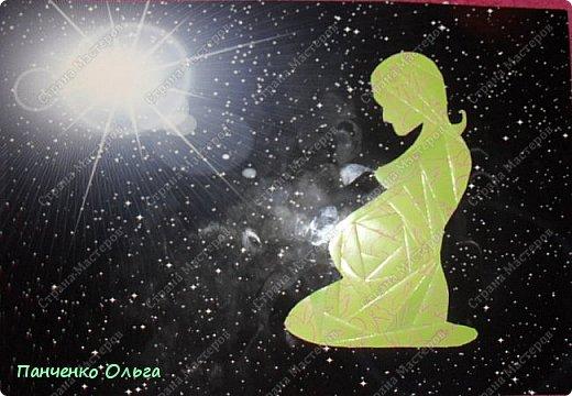 Здравствуйте! Представляю на конкурс ещё одну свою работу—«МАМА—ВСЕЛЕННАЯ ДЛЯ МАЛЫША» Сначала то я хотела сделать Мать Вселенную—поэтому и фон взяла из космического набора. но пока делала как то она у меня стала женщиной ожидающей ребёнка, от этого я и стала  отталкиваться в работе. Ведь для не родившегося малыша мама и есть вся Вселенная—она бережёт и заботится с самого начала и потом, когда малыш появился на свет— изначально именно мама весь мир для крохи.  фото 7