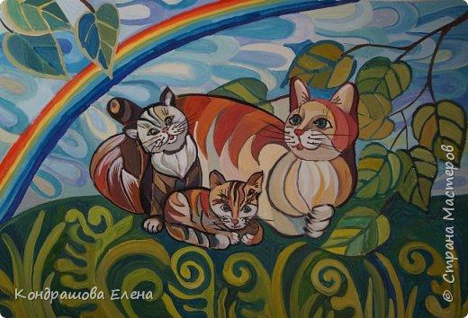 У меня дома есть кошка – Ася. Я знаю, что существует много пород кошек и у них разный характер, повадки. Кошка – грациозное, ласковое, хитрое, но в то же время очень обаятельное домашнее животное. У моей кошки нет породы, но она очень умная и добрая . У неё трёхцветная шёрстка, на лапках красивые «сапожки». Летом мы увозим её на дачу и она там живёт до первых холодов. В начале осени у неё появились котята ( две сестрички). Они очень ласковые и игривые. Ася очень заботливая мама. Она их кормит, умывает, обнимает своими лапками, защищает. Они вместе играют, бегают друг за другом, забавно урчат . Иногда с ними играю и я.  На своей работе я изобразила свою любимую Асю с котятами. фото 1