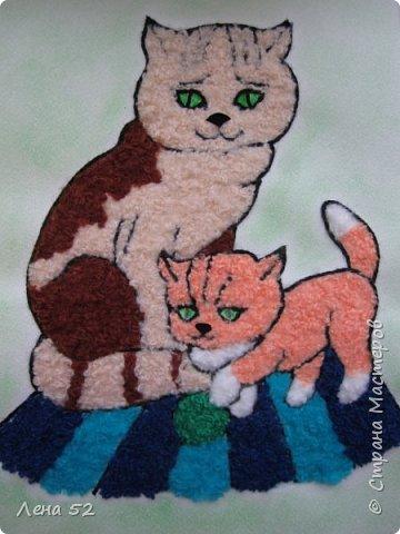 Я очень люблю кошек. Дома у меня живут целых три кошки, семья. Папа- Кузя, мама- Маша, дочь- Даша. Очень интересно наблюдать за поведением кошек, их веселыми играми. Мне очень нравилось, как мама Маша обращалась со своими детками, пока они были маленькими. И играла с ними, и воспитывала. фото 1