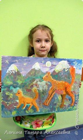Мария мечтает о настоящей собаке, собаке-спасателе, потому что сама хочет стать спасателем.  Над темой думать долго не стала, она у неё давно в голове. Мама Шпиц учит дочку  ориентироваться по звёздам, различать запахи и приходить на помощь людям в горах.  фото 5