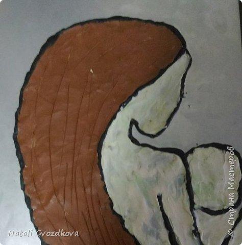 Если и есть синоним у любви — Так это только слово — МАМА! В нем никогда не будет лжи! В нем яркий свет святого Храма!(автор  Марина Волнорезова) Картина выполнена в технике пластилинография. Настя любит работать с пластилином и поэтому работу мы решили выполнить именно в этой технике. фото 6