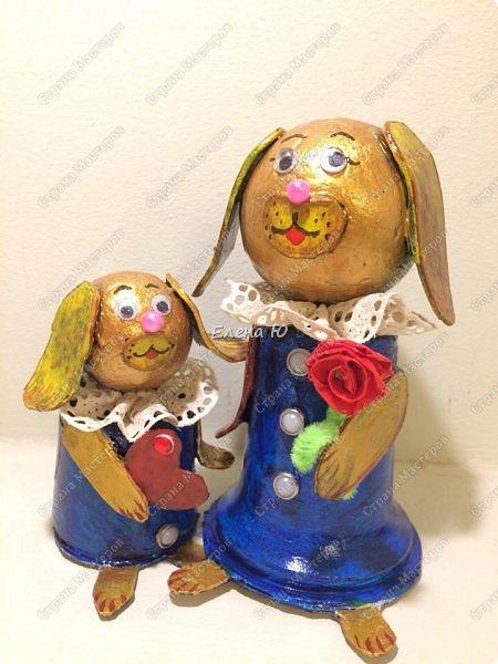 Желтая маленькая собачка поздравляет маму с Днем Матери. Она приготовила ей в подарок сердечко в знак большой любви и, конечно, цветок:)) Универсальный сувенир, который подойдет и к этому празднику, и к Новому году, и к Международному женскому дню и ко Дню Святого Валентина:))) фото 9