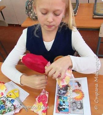 Представляю вашему вниманию композицию из тряпичных кукол в народном стиле. Выполнила работу моя ученица Жданова Юля. фото 7