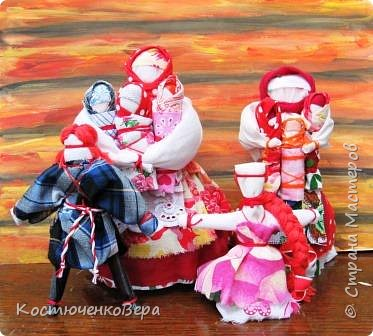 Представляю вашему вниманию композицию из тряпичных кукол в народном стиле. Выполнила работу моя ученица Жданова Юля. фото 17
