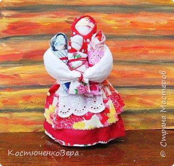 Представляю вашему вниманию композицию из тряпичных кукол в народном стиле. Выполнила работу моя ученица Жданова Юля. фото 2