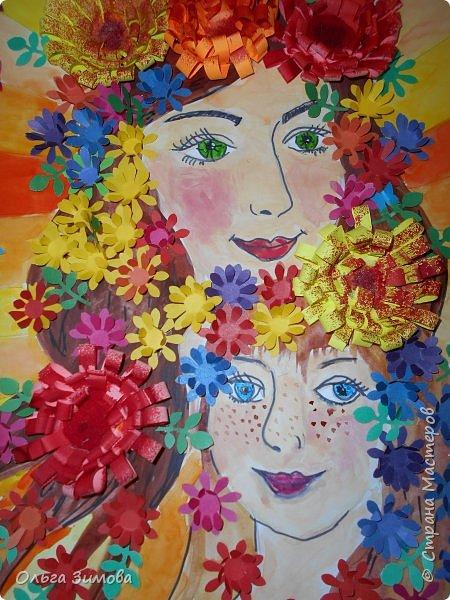 Мама и дочка — они так похожи! Мама и дочка — две капельки солнца!( сл. Елены Плотниковой) Мы очень любим своих мамочек потому что все, что окружает вас в этом мире, начинается с мамы. Свою работу мы хотим посвятить самому дорогому на свете человеку- маме .Мама и дочка  какое это счастье. Это вечный праздник, вечная весна. Это море улыбок это море цветов....  фото 10