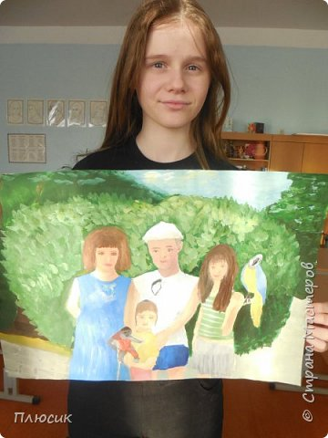 Катя нарисовала всю свою семью, когда они отдыхали на море. Прошло 7 лет, а они с удовольствием вспоминают эту поездку. Это единственный раз, когда семья в полном составе смогла съездить на море. фото 10
