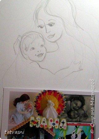 Тема материнства мне очень близка. Я - мама, бабушка.Трое внуков - это здорово! Мои дочери тоже мамы. Меня всегда привлекала тема материнской нежности. И сейчас меня вдохновили фотографии моих дочерей. Может здесь они выглядят усталыми, но я думаю вместе с заботами они испытывают  чувства любви и нежности к своим детям. Это незабываемые первые годы жизни, когда они были маленькие, милые, беззащитные... Мамы любят своих деток, заботятся о них. И пусть так будет всегда! Мамы милые, нежные, любящие! фото 4