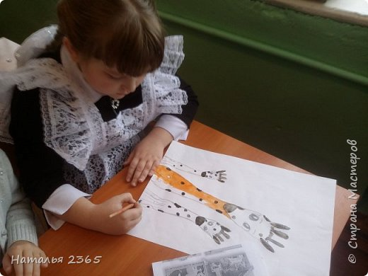 Здравствуйте! Представляю работу Мулахметовой Насти, моей ученицы. Настя любит рисовать и любит животных, поэтому и выбрала эту номинацию. (Мы исправили свой недочет,  оформили  работу в рамку.  Правда мнения разделились, т.к. у нас есть ещё  варианты рамок. Этот выбрали Настя  и её мама :).  ) фото 4