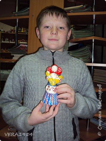 Добрый день, друзья!         Хочу познакомить вас с воронежской игрушкой. Воронежская игрушка менее известна, чем другие игрушки народных промыслов России. Меня очень заинтересовал образ мамы воронежской игрушки, и я решил слепить такую.  фото 9