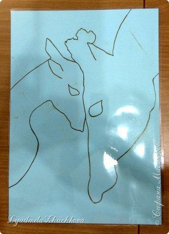 Когда на занятиях я рассказала о новом конкурсе и его номинациях, Маша сразу решила изобразить жирафа с малышом. Маша прекрасно рисует, успевает заниматься в двух изостудиях, мама поддерживает дочь в её творческих порывах и работу они делали вместе. фото 2