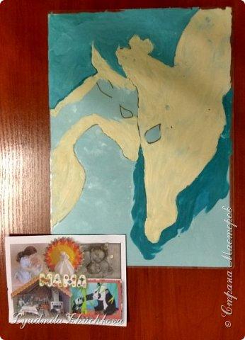 Когда на занятиях я рассказала о новом конкурсе и его номинациях, Маша сразу решила изобразить жирафа с малышом. Маша прекрасно рисует, успевает заниматься в двух изостудиях, мама поддерживает дочь в её творческих порывах и работу они делали вместе. фото 3