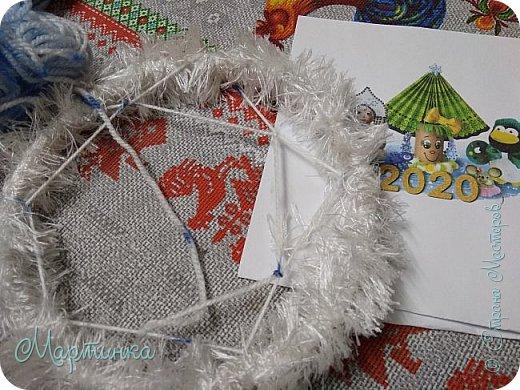 Паучок плетет зимнюю паутинку для снов. фото 4