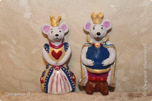Мы решили сделать короля и королеву в нарядных костюмах. фото 1