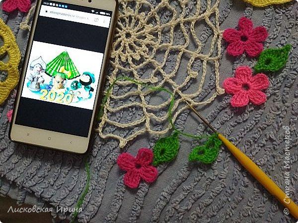 Из росы цветочной плетет паучок ковёр прочный, красочный и яркий.  фото 3
