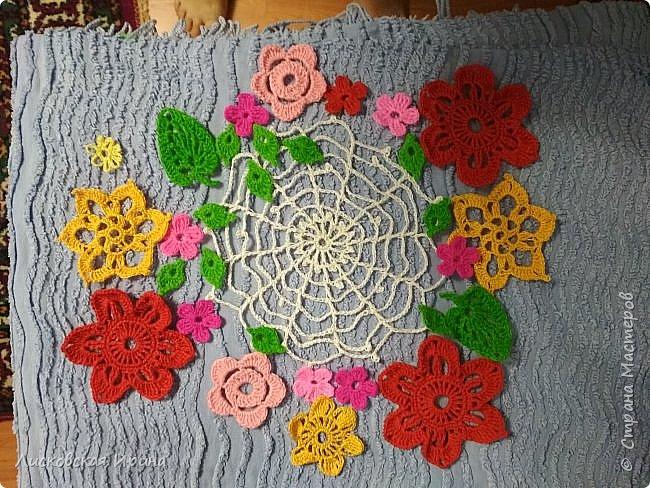 Из росы цветочной плетет паучок ковёр прочный, красочный и яркий.  фото 6