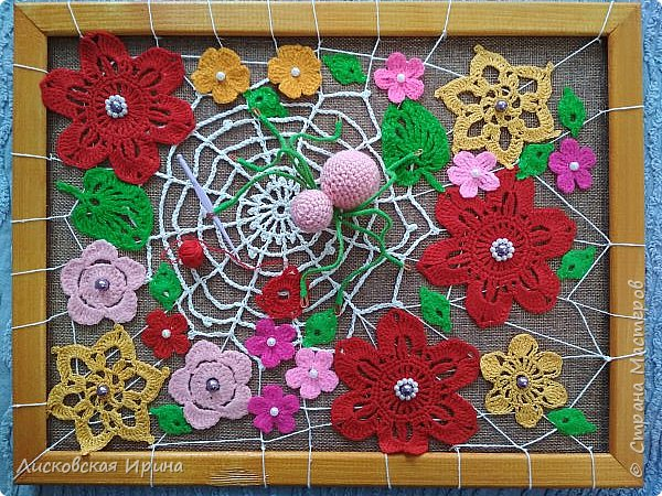 Из росы цветочной плетет паучок ковёр прочный, красочный и яркий.  фото 1