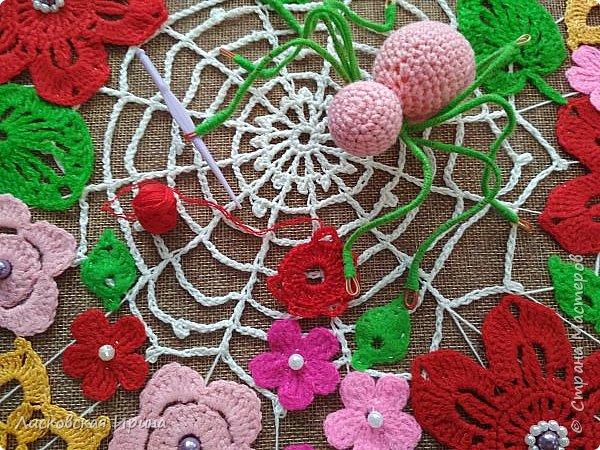 Из росы цветочной плетет паучок ковёр прочный, красочный и яркий.  фото 2