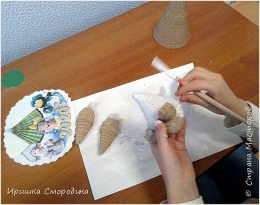 Здравствуйте, дорогие жители Страны Мастеров! Я (Ольга Смородина) перебралась в блог своей дочки Иришки, потому, что у себя уже разместила 5 работ.  Лена отправила на карнавал Дедушку Мороза.  фото 5