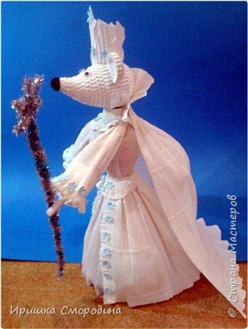 Здравствуйте, уважаемые жители Страны Мастеров! Сегодня на праздничный карнавал пришла и моя мышка - Снежная Королева. фото 9