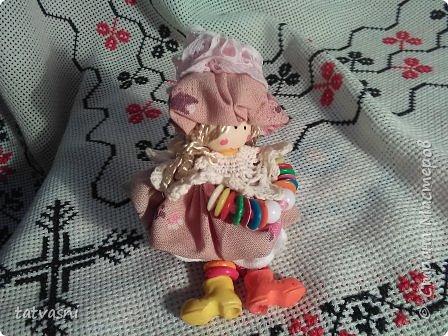 """Знакомьтесь Куколка Настенька.  Я сижу на сундучке, Думаю,что делать? Мне от бабушки досталось """"Старое"""" наследство... фото 17"""