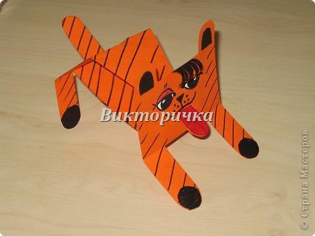 Тигрёнок. Вырезание бумажных  фигурок  животных. фото 2
