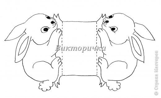 """Плетение полосками - очень простое  украшение не только для геометрически правильных форм (ковриков, шарфиков, платочков),  для  плоскостных фигурок (птички, рыбки, мухоморы, автомобили и воздушные шарики), но и для объёмных пасхальных яиц. Предлагаю вашему вниманию простой вариант в 3 цвета плетения - жёльый, сиреневый, зелёный. Количество полосок по экватору теоритически можно увеличить, но возникнут сложности в виде заломов и складок. Цветовая гамма - ограничена только вашей фантазией, но не забывайте о гармоничности сочетаний и ритмичности рисунка.  Добавляйте элементы из полосок для украшения готового яйца.  Для облегчения начала работы рекомендую сложить """"дорожку"""" из полосок на столе. Затем прикрепить кольцом по центру яйца. Потом замкнуть на вершинах яйца края """" меридиан""""-полосок. Яйцо готово!   фото 6"""