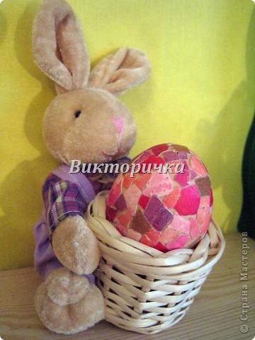 Яицо, обмотанное бичёвкой и украшенное цветами.   фото 2