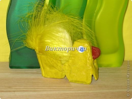 Яицо, обмотанное бичёвкой и украшенное цветами.   фото 4