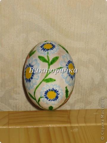 Яицо, обмотанное бичёвкой и украшенное цветами.   фото 9