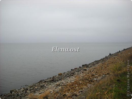 Это Каховское водохранилище - рукотворное море. С утра на берегу усаживаются рыбаки. Сегодня ловим бычка. При копировании статьи, целиком или частично, пожалуйста, указывайте активную ссылку на источник! http://stranamasterov.ru/user/9321 http://stranamasterov.ru/node/24791 фото 2