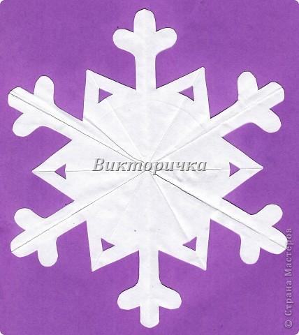 Фрагмент гирлянды - единичная снежинка-девочка. фото 3