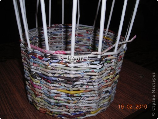 Мастер-класс Плетение Мастер класс плетения из газеты для новичков Бумага газетная Трубочки бумажные фото 12