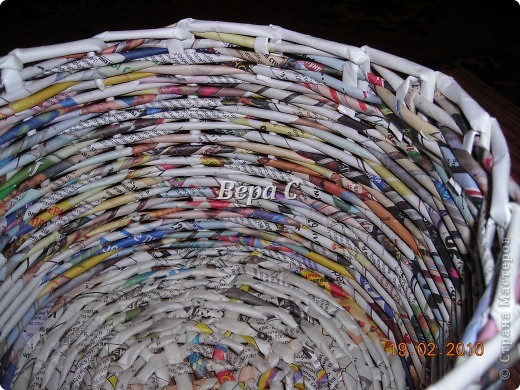 Мастер-класс Материалы и инструменты Плетение Мастер класс плетения из газеты для новичков Бумага газетная Трубочки бумажные фото 17