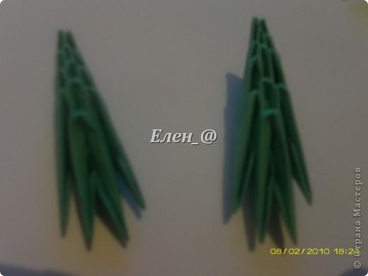 По многочисленным просьбам... Все, что нам понадобится- офисная бумага зеленого и белого цвета, из которой нужно с делать соответственно : зеленых модулей-187 белых-135 фото 21