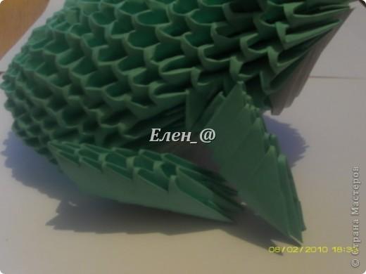 По многочисленным просьбам... Все, что нам понадобится- офисная бумага зеленого и белого цвета, из которой нужно с делать соответственно : зеленых модулей-187 белых-135 фото 24